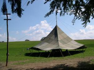 Tipps zur Reparatur eines Zeltes – Nur saubere Stellen lassen sich reparieren